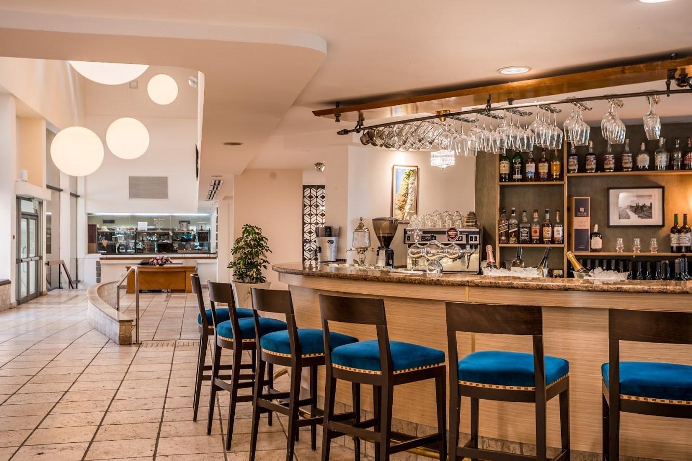 Lavi Hotel the Bar